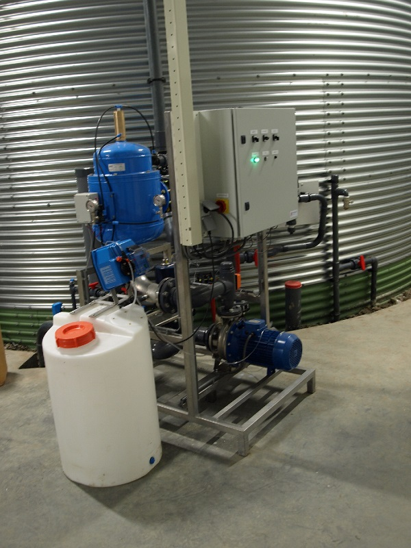 Fertilizer-mix unit with H2O2 injection